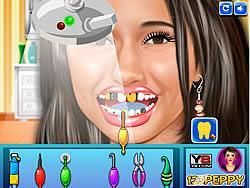 Emmanuelle Chriqui at Dentist